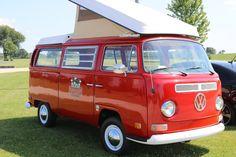 1970 VW Westfalia Bus Volkswagen Bus, Vw Camper, Beetles Volkswagen, Combi Vw, Red Vans, Porsche 356, Campervan, Motorhome, Cool Cars