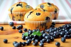 Babeczki z jagodami / Blueberry cupcakes / ciastkozercy Blueberry Cupcakes, Blue Berry Muffins, Cap Cake, Food And Drink, Cooking Recipes, Breakfast, Kuchen, Blueberry Crumb Muffins, Morning Coffee