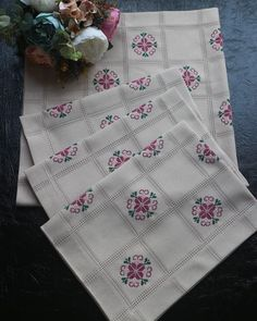Bargello, Chrochet, Cross Stitch, Country, Bath Linens, Cross Stitch Embroidery, Craft, Hand Embroidery, Roses