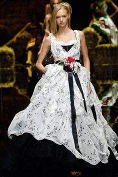 Dolce & Gabbana Ready-to-Wear Spring 2006