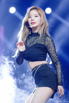 Your source of news on YG's biggest girl group, BLACKPINK! Please do not edit or remove the logo of. Blackpink Jennie, Kpop Girl Groups, Korean Girl Groups, Kpop Girls, Forever Young, Oppa Gangnam Style, Lisa, Seoul Music Awards, Twice Dahyun