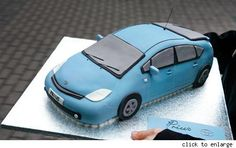 Ten years of the Toyota Prius - now it comes in cake form