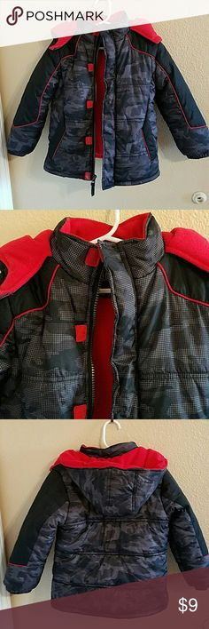 IExtreme Little Boys Puffer Jacket size 5 🎉 HP🎉 🎉HP🎉 Black, Gray, and Red Puffer Jacket with subtle Camo Pattern. Zip and Velcro closure with a hood. Good Condition overall no rips or tears. iExtreme Jackets & Coats Puffers