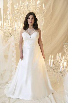 Leopold   Callista Plus Size Wedding Dresses: A-Linie & Empire Silhouettes I   Plus Size Brautmode & XL/XXL Brautkleider in großen Größen/Übergröße bei Vollkommen.Braut. - The Curvy Bridal Concept Store
