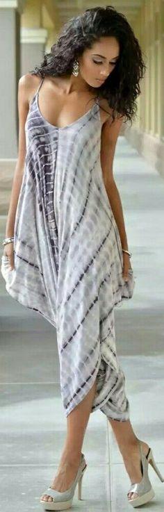 #Farbbberatung #Stilberatung #Farbenreich mit www.farben-reich.com GRAY TIE-DYE HAREM JUMPSUIT / Fashion by Chic Couture