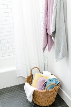 When it comes to wedding Gift Registry, don't forget the bathroom. Let 100 Layer Cake show you how to create a relaxing and modern bath gift registry.