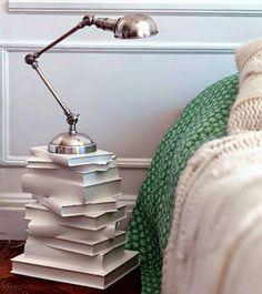 Riciclare i libri - comodino