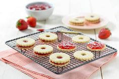 Looking for that perfect Valentine's Day recipe? Treat your special someone to E.D.SMITH Strawberry & Cream Sandwich Cookies and you'll be sure to win their heart.  #TasteCreator #EDSMITH #Valentines #Recipes #Baking #Desserts