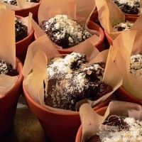 karácsonyi csokis kuglóf Pudding, Desserts, Food, Tailgate Desserts, Deserts, Custard Pudding, Essen, Puddings, Postres