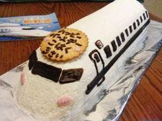 ロールケーキで新幹線の画像
