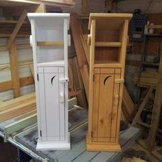 Old Timey Outhouse Toilettenpapier Halter Old Timey Outhouse Toilet Paper Holder Wooden Toilet Paper Holder, Toilet Paper Holder Stand, Toilet Paper Storage, Art Storage, Cabinet Storage, Bathroom Storage, Storage Ideas, Woodworking Projects Diy, Diy Wood Projects