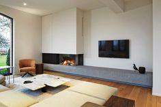 Mooie foto's (referentie) van kal-fire inbouwhaard op gas. Living Room Decor Fireplace, Home Fireplace, Modern Fireplace, Fireplace Design, New Living Room, Living Room Interior, Home And Living, Living Spaces, Home Room Design