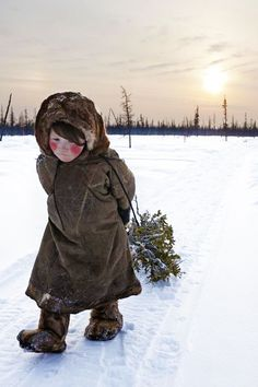 The Nenets, an indigenous tribe living in Siberia are the nomadic people whose main traditional occupation is reindeer herding. The Samoyedic language of the Nenets is a Uralic language, spoken by the Samoyed people of northern Siberia. Foto Magazine, Siberia Russia, Indigenous Tribes, Tribal People, Photo Awards, Precious Children, Baby Kind, Travel Photographer, People Around The World