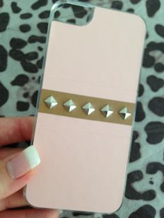 Studs cover per iPhone 5 rosa borchiata di tendenzemakeupenonsolo.blogspot.it