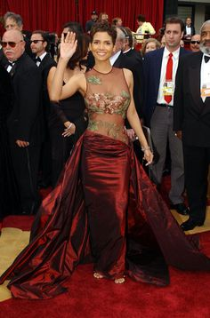 Halle Berry's unforgettable body in this dress! x