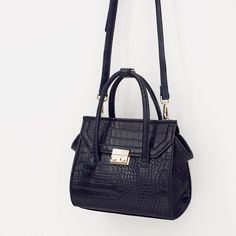 Zara Mock Croc Mini City Bag (€44) via Polyvore featuring bags, handbags, white handbags, crocodile bag, zara bag, croc handbags and crocs bag