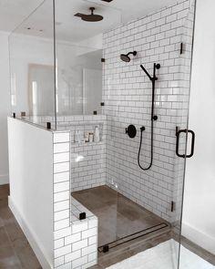 Remodel master bathroom - Badezimmer - Home Sweet Home Bad Inspiration, Bathroom Inspiration, Bathroom Interior Design, Decor Interior Design, Bathroom Designs, Bathroom Trends, New Bathroom Ideas, Bathtub Ideas, Restroom Design