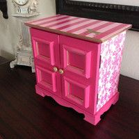Vintage musical jewelry box upcycled in Victorias Secret Pink Inspired Theme