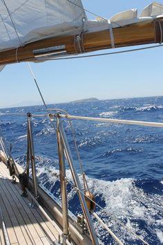 King Of The World, Oceans Of The World, Cruise Italy, Sailing Cruises, Sailing Holidays, Italy Holidays, Boat Rental, Sail Away, Vestidos