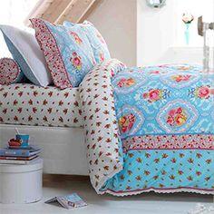 PiP Studio: Bed Linen - Warming prints & patterns for the bedroom Pip Studio, Studio Bed, King Duvet Cover Sets, Duvet Sets, Duvet Covers, Bed Sets, Girl Room, Girls Bedroom, Bedroom Ideas