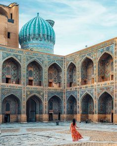Planning a trip to Uzbekistan and want to know all the best things to see and do? Here's the ultimate Uzbekistan itinerary and travel guide! Islamic Architecture, Central Asia, Central America, Silk Road, Travel Guide, Travel Ideas, Travel Destinations, Romantic Destinations, Amazing Destinations