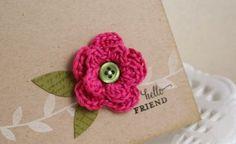 Delicada flor de crochê