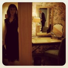 One of my favourite-ever #Smithhotels  assignations: a black-tie Rothschild wine-tasting gala Chewton Glen #hotel in Hampshire: here's me and my Mr Smith getting ready in the beautiful Poacher Suite #smithbday http://bitly/vgIjLP