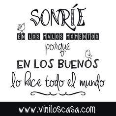 #Sonríe y sé #feliz --> www.viniloscasa.com