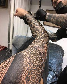 Tattoos, tattoo designs и geometric sleeve tattoo. Trendy Tattoos, New Tattoos, Body Art Tattoos, Sleeve Tattoos, Cool Tattoos, Feather Tattoos, Forearm Tattoos, Tribal Tattoos, Maori Tattoos