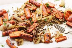 Spicy Maple Roasted Carrots with Crispy Lentils | @withfoodandlove
