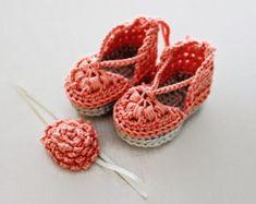 Crochet Pattern Crochet Baby Sandal Pattern di HandHeartandSole