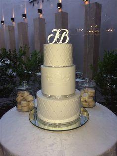 #fifteencake #weddingcake #silver #white #tortadequince #tortadeboda #lacerezadelpostre