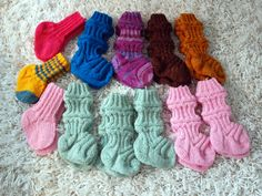 KARDEMUMMAN TALO Drops Karisma, Crochet Necklace, Socks, Crochet Collar, Stockings, Sock, Boot Socks, Hosiery
