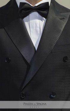 Papillon o plastron? 🤵 In ogni caso, con #Privè indossi sempre tutta la qualità dell'alta sartoria italiana. Scopri tutti gli abiti da #sposo della collezione 2018 su http://www.piazzadispagnasposi.it/collezioni/sposo/prive/