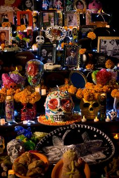 ofrenda... - for more of Mexico, visit www.mainlymexican... #Mexico #Mexican #altar