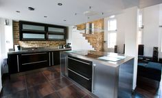 Stainless Steel Kitchen, Base Cabinets & Customised Worktops UK - De la espada