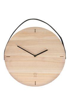 Klok rond. Oooh… die wil je hebben! Deze houten klok vindt zijn plekje wel bij jou thuis. Shop ''m op zusss.nl! Voor 12:00 besteld, vandaag verzonden!