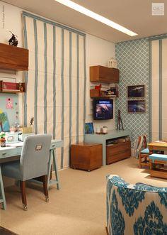 Outro ângulo do quarto de menina que faz uso do azul, e muito bem. Integrou a MOSTRA QUARTOS e ETC 2013.