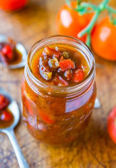 One-Hour Sweet w/ Heat Tomato & Pepper Chutney - Can be used as a chutney or tomato sauce , Vegan , Gluten free . Chutneys, Sauce Au Poivre, Pepper Jelly, Pepper Relish, Stuffed Banana Peppers, Chutney Recipes, Mango Salsa, Canning Recipes, Food 52