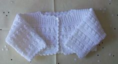Baby Cardigan Knitting Pattern, Knit Cardigan, Baby Knitting, Crochet Baby, Lace Shorts, White Shorts, Knit Baby Sweaters, Baby Coat, Baby Wearing