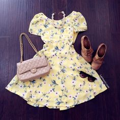 Cut-Out Back Floral Dress : The Art of Vintage-inspired & Cute Women's Clothing | Larmoni