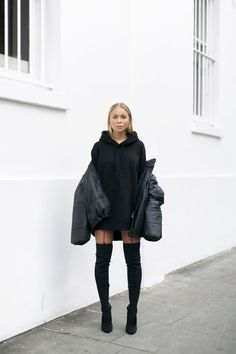 What is an amazing outfit worth for you? Find the cutest outfit ides here: K Fashion, Latex Fashion, Fashion Models, Fashion Outfits, Black Hoodie Outfit, Oversized Hoodie Outfit, Heels Outfits, Winter Outfits, Casual Outfits