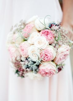 Pink and white bouquet. Photography: Brian LaBrada Photography - brianlabradaphoto.com/