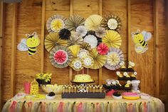 Bumble Bee Party sweets table