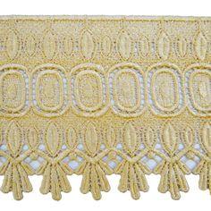 Artikelbeschreibung  * Exquisite Venedig Spitzenrand, die die perfekte Ergänzung für Ihre kreatives Projekt sein wird. * Farbe: Beige * Breite: 5 Zoll * Hergestellt In Indien * Ideal für Handwerk, Kleidung, Boutique-Zubehör, Kostüm zu dekorieren, zuhause dekorieren, Nähen Projekte... etc.  Präsentieren Sie das beste indische traditionelle Handarbeit Trimmen & Applikationen für Craft-Projekte, Mode entwerfen, Home Decoration & festliche feiern. Unsere Schnürsenkel & Patches können Sie für…