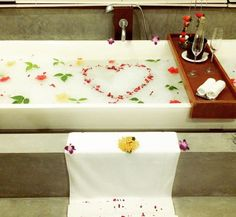 Four Seasons Landaa Giraavaru Four Seasons, Maldives, Braid, Gift Wrapping, Instagram Posts, Gifts, Collection, Towels, Love
