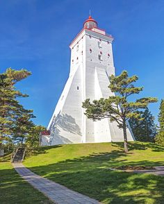 Kopu Lighthouse: This gorgeous structure on the island of Hiiumaa, Estonia, has been in use since it was completed in 1531 — making it one of the oldest active lighthouses in the world. Wildlife Of India, Beacon Of Light, Adventure Tours, Amazing Destinations, Romantic Travel, Places To See, Around The Worlds, Lighthouses, Eccentric
