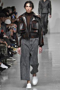 edgy mens fasion that look gorgeous. Suit Fashion, Fashion Week, Runway Fashion, Mens Fashion, Fashion Outfits, Fashion Trends, Winter Fashion, Fashion Clothes, Fashion Shoes