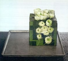 fantastic table centre ~ Moniek Vanden Berghe | Flora: popular floral forum