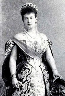 Grand Duchess Vladimir (also known as Grand Duchess Maria Pavlovna of Russia, wife of the Grand Duke Vladimir Alexandrovich) wearing the Vladimir Tiara